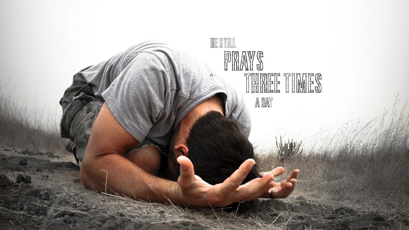 daniel still prays three times a day christian wallpaper_1366x768